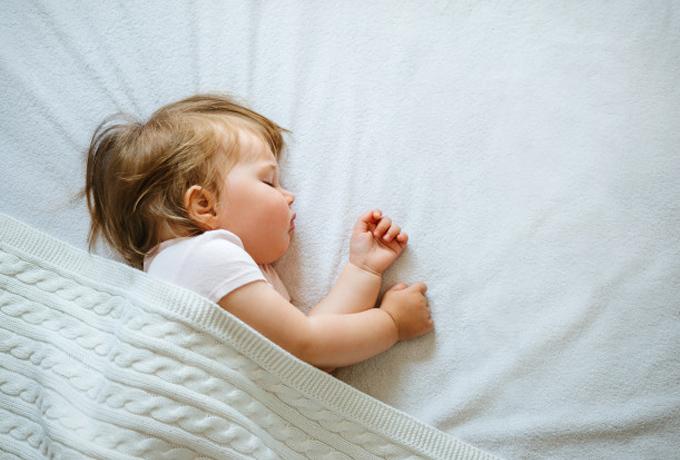 Sudahkah Waktu Tidur Si Kecil Tercukupi?