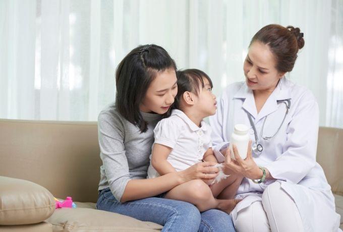 Tips Jitu Agar Si Kecil Berani Ke Dokter, Harus Dicoba Bun!